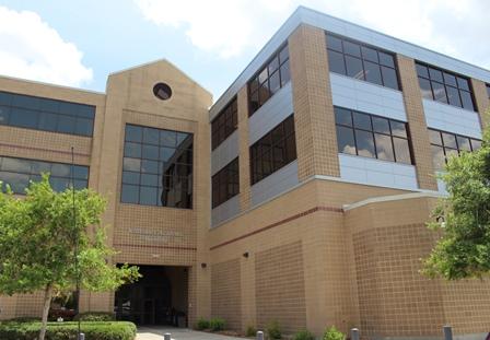 Veterinary Academic Building.