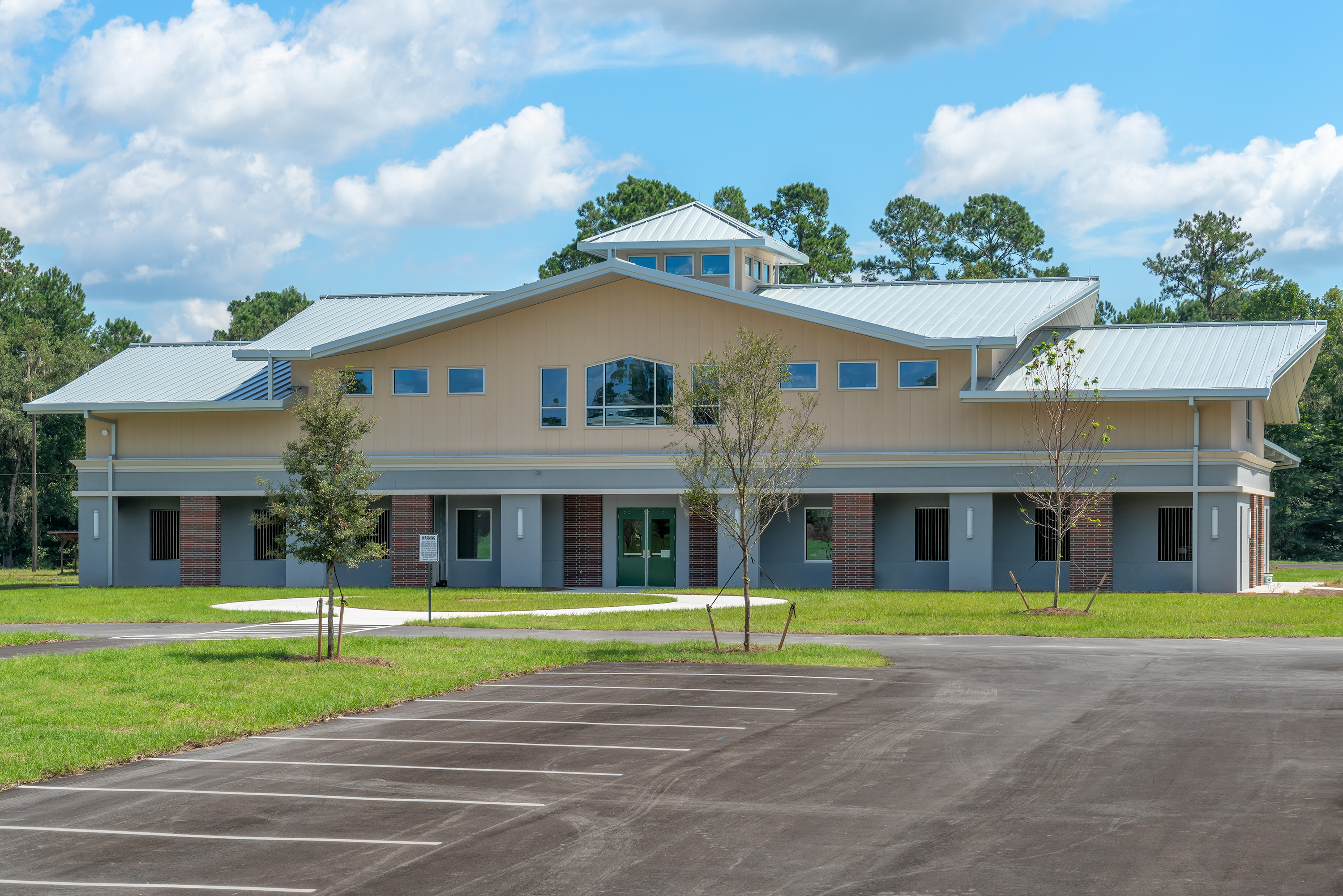 External view of the new UF Equine Acupuncture Center