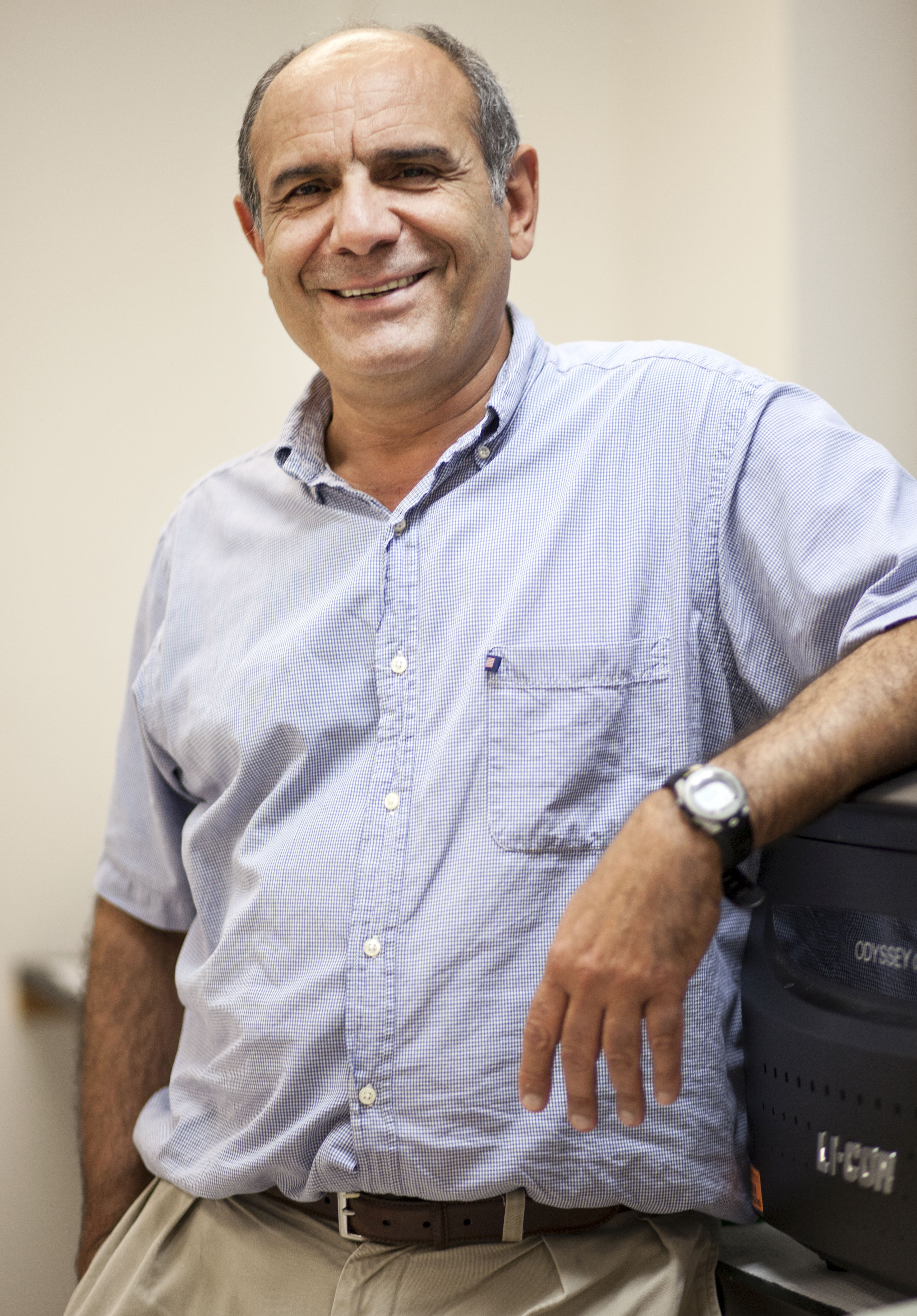 Dr. Mohamadzadeh